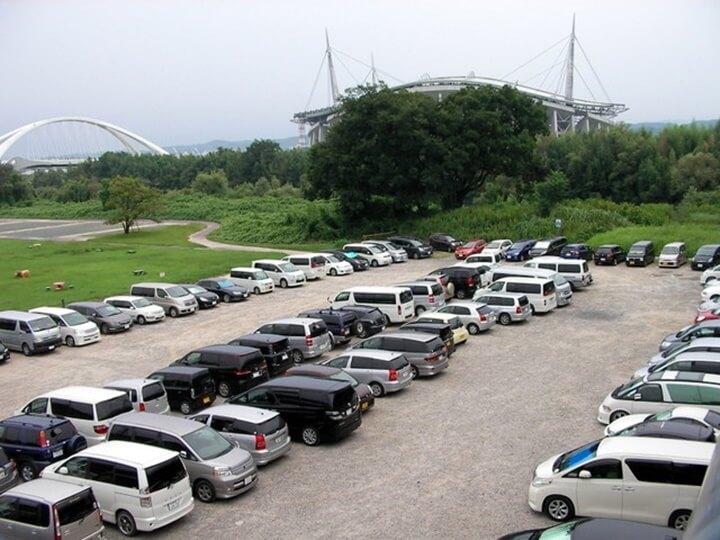矢作川河川敷の駐車場